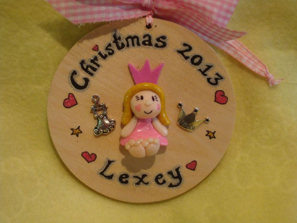 3d personalised boy or girl christmas character wooden Bauble Tree Hanger Any Year/phrasing